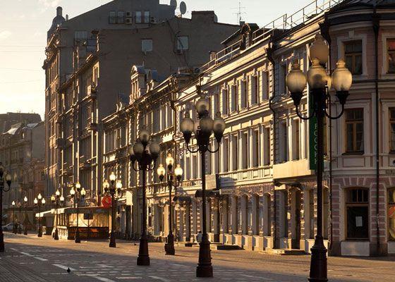 Арбат - район Москвы богат историей и достопримечательностями