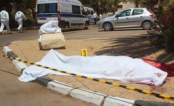 Число жертв террористической атаки в Тунисе достигло 40