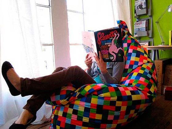 Кресло мешок похож на причудливую мягкую игрушку
