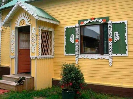 В отличие от решеток на окнах ставни не вызывают негативных ассоциаций