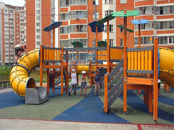 Детская площадка – это полноценный комплекс, включающий в себя различные игровые, спортивные и декоративные элементы