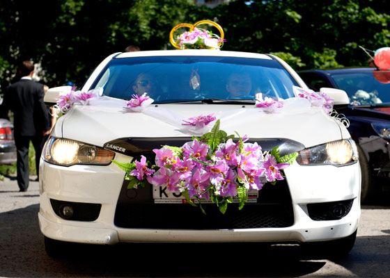 Свадебные автомобили – неотъемлемая часть праздника