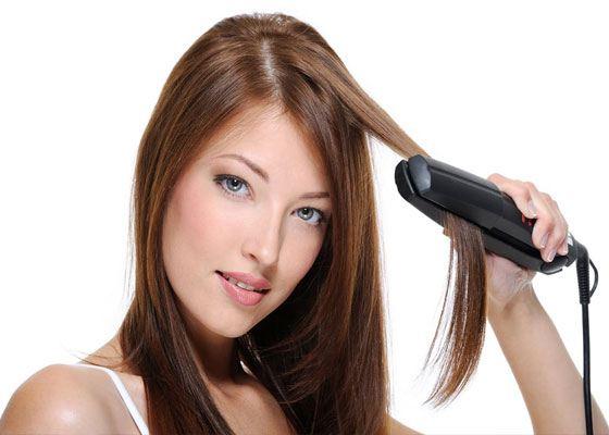 Выпрямление волос считается одним из последних трендов
