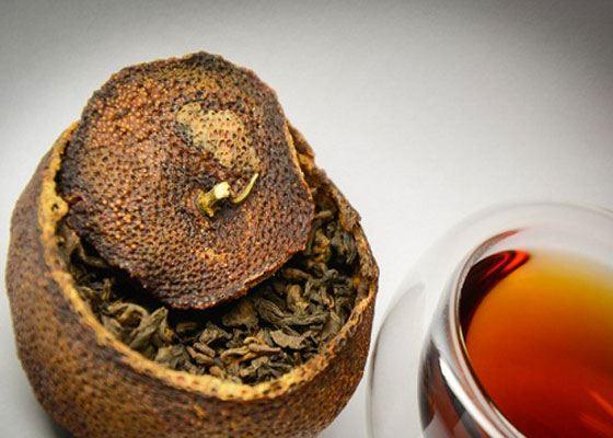 Нет более ароматного чая, чем чай пуэр, помещенный в спрессованном виде в сушеный мандарин