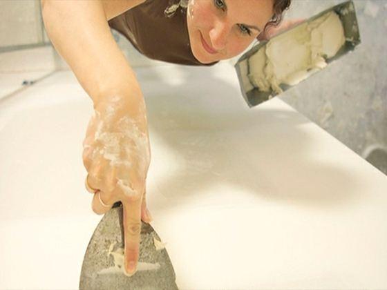 Шпаклевание позволяет привести стены в идеально ровное состояние