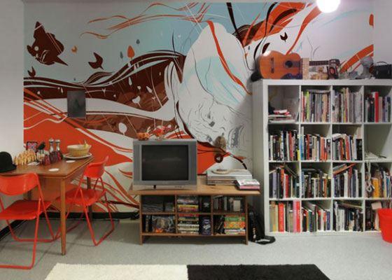 Граффити позволяет создать нестандартное и индивидуальное оформление квартиры