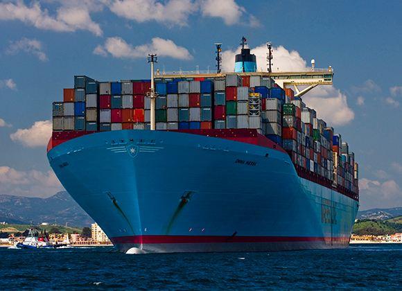 Морской транспорт перевозит около 80% грузов всего мира