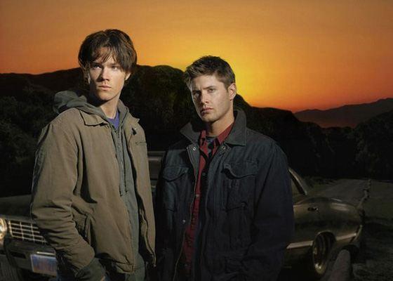 Герои сериала «Сверхъестественное» - два симпатичных парня