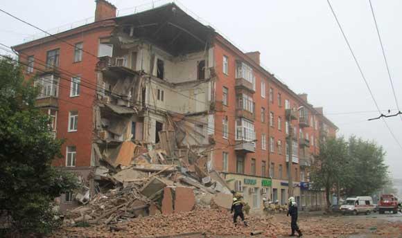 В Перми произошло обрушение одного из подъездов жилого дома