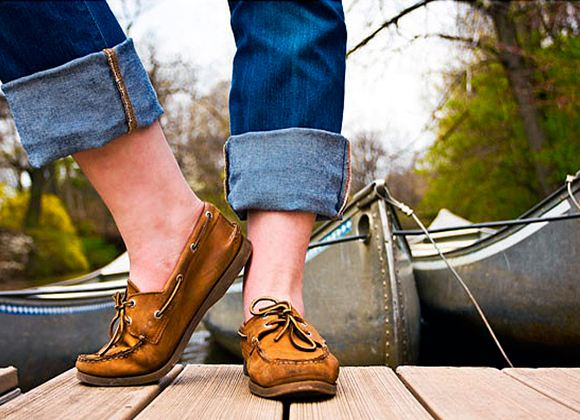 Мокасины считаются летней обувью, поэтому их принято носить без носков