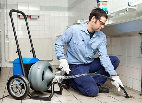 Гидродинамическая прочистка канализации - это отличная альтернатива большинству распространенных методов удаления засоров