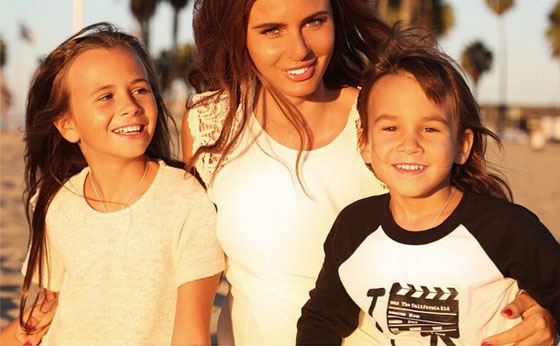 Саша Зверева со старшими детьми