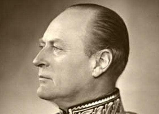 Король Норвегии Олаф V пользуется общественным транспортом и всегда платит за свои билеты