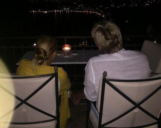 Дмитрий и Татьяна любуются ночным городом