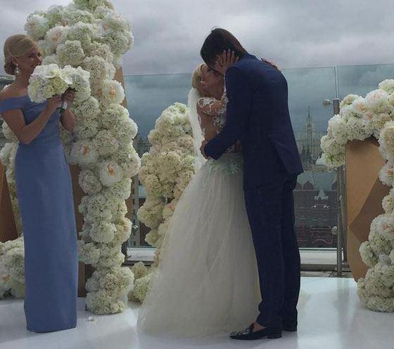 Молодожены и подружка невесты Настя Задорожнная