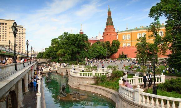 В Александровском саду в Москве был задержан устроивший стрельбу мужчина