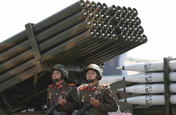 Ким Чен Ын отдал приказ о приведении северокорейских ВС в боеготовность
