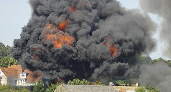 В Великобритании на авиашоу разбился истребитель-бомбардировщик