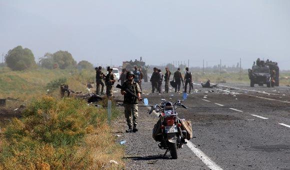 Турция проводит наземную военную операцию против курдских боевиков в Ираке