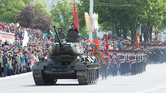 Кишинев порвал отношения с российским атташе, поучаствовавшим в параде