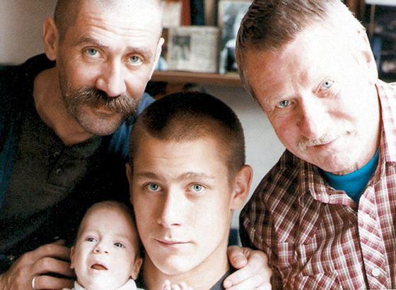 Краско с сыном Андреем и внуками