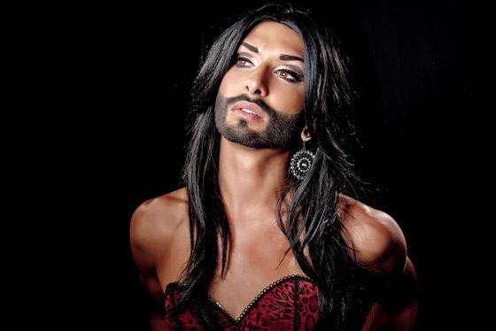 Самый знаменитый трансвестит - певица Кончита Вурст