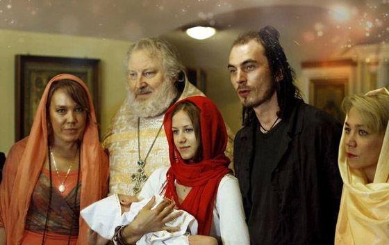 Азиза крестит внука Талькова