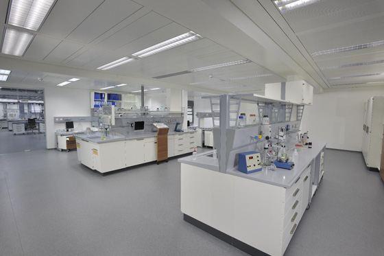 Современная лаборатории не могут обойтись без качественной мебели