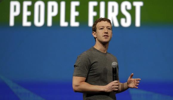 Марк Цукерберг пообещал провести интернет в лагеря беженцев