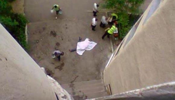 В Москве молодой мужчина выбросил подругу в окно во время ссоры