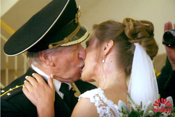 На свадьбу оставишь