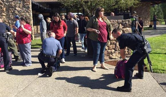 15 человек стали жертвами стрельбы в американском колледже в штате Орегон