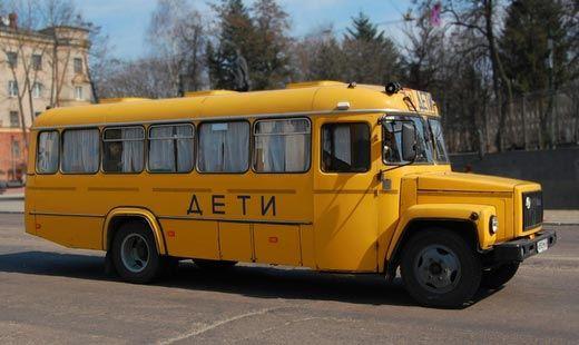 В Хабаровском крае опрокинулся школьный автобус