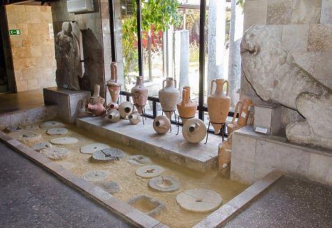 Целый ряд археологических находок был сделан на месте строительства Керченского моста