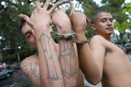 Ученые: Люди с татуировками более агрессивны