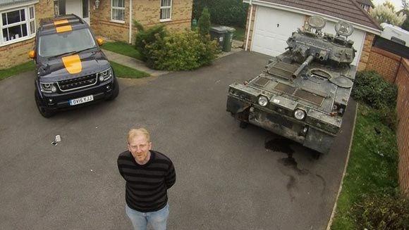 Британец был вынужден переехать из-за покупки танка