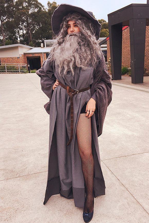 Австралийская школьница пришла на выпускной в костюме «секси-Гэндальфа»