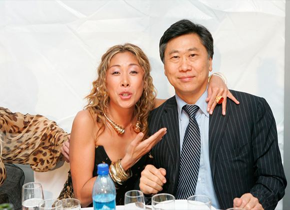 На фото: Анита Цой с мужем