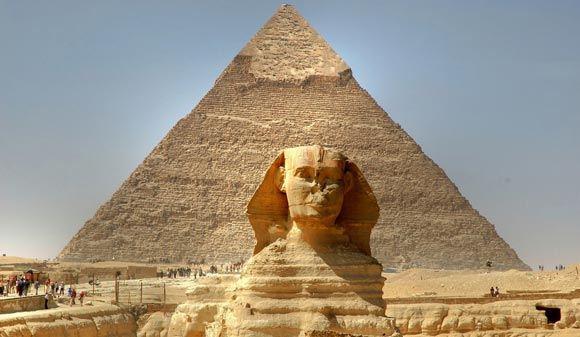 Группа ученых просветит египетские пирамиды изнутри