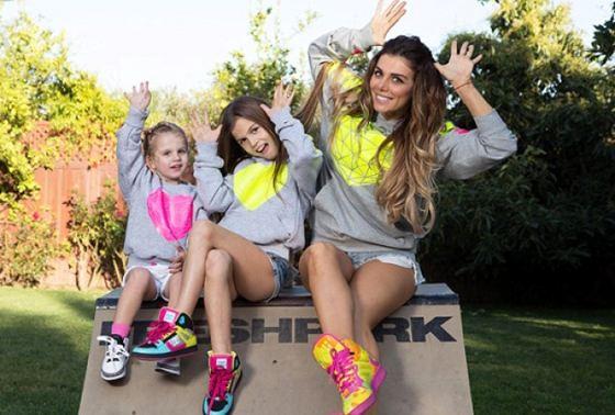 Анна с дочерьми