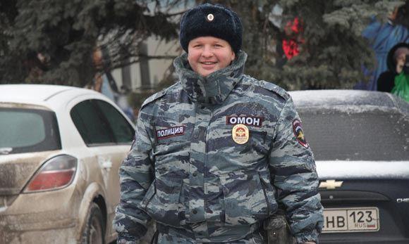 В России стартовала акция «Служба начинается с улыбки».