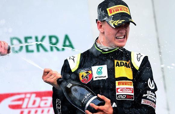 16-летний сын Мик Шумахер может стать участником команды Ferrari