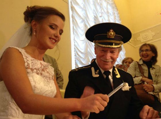 Иван Краско и Наталья Щевель в загсе