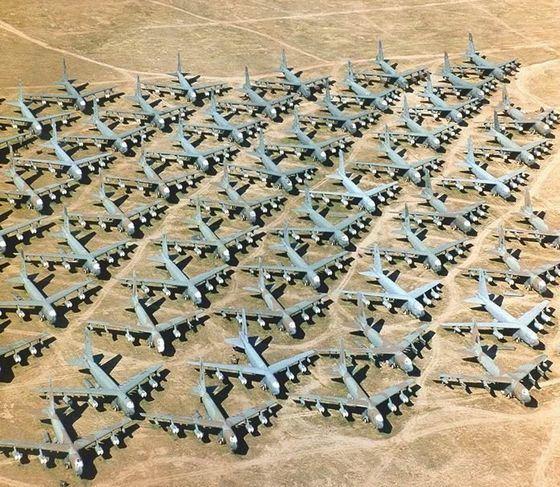 Необычная свалка - кладбище самолетов
