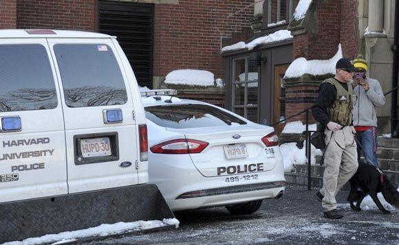 Гарвардский университет эвакуировали после сообщения о бомбах
