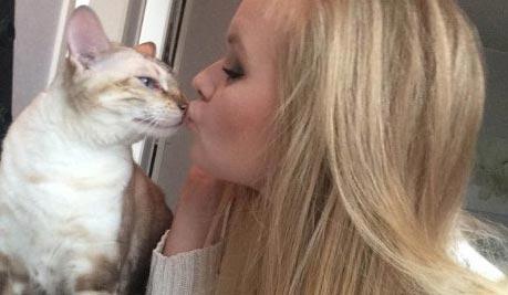 Кот по кличке Налле спас хозяйку от пожара