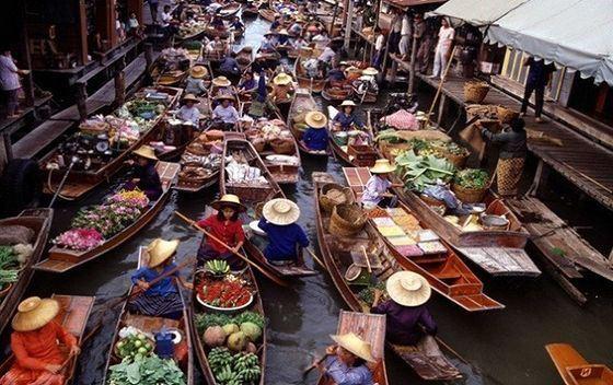 Дамноен Садуак - самый большой в мире плавучий рынок