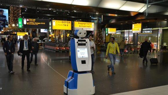 В амстердамском аэропорту появится робот, помогающий пассажирам