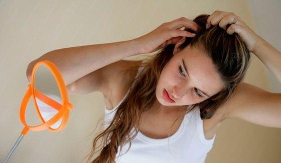 Причин выпадения волос может быть несколько
