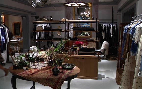 Нью-йоркский магазин Гвинет Пэлтроу прямо во время работы
